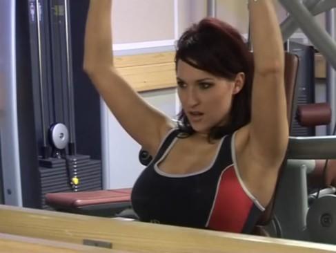 Anal Sex En El Gym A Tetas Cachondas